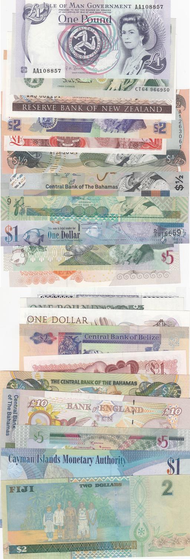 AU  We Combine 1984 QE II Bahamas P.42 1//2 Dollar 1974
